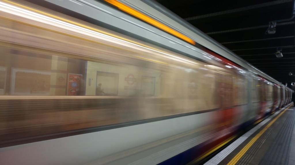 blur-fast-hurry-312848